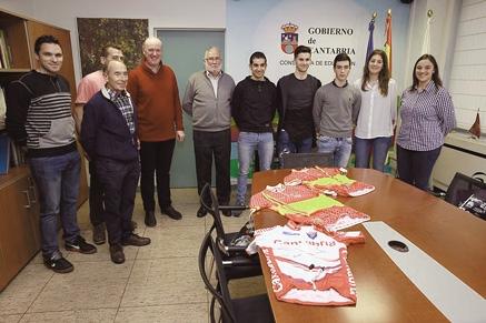 """El equipo de ciclocrós es felicitado por su """"magnífica"""" actuación en el último Campeonato de España"""