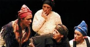 En el Otoño de Teatro de Camargo la obra 'Cuando el río suena'