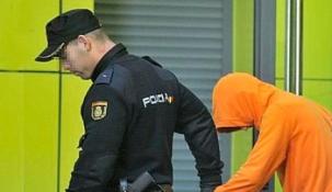 Detenido un individuo en Santander por causar daños en un autobús municipal