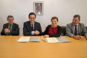 Sanidad y la Fundación Amancio Ortega firman el primer convenio específico para la adquisición de equipamiento oncológico