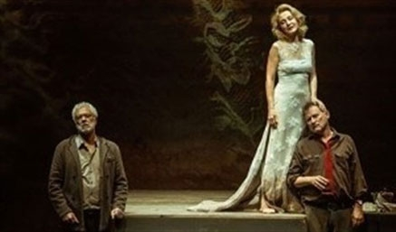 """En la orilla"", de Rafael Chirbes, adaptada al teatro, llega a la Sala Pereda"
