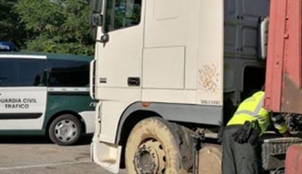 Sorprenden a un camionero sextuplicando la tasa de alcoholemia permitida