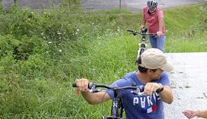 Santander pone en marcha una canaleta para bicicletas en Las Llamas