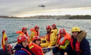 Alumnos de la ETS de Náutica participan en un simulacro de salvamento marítimo