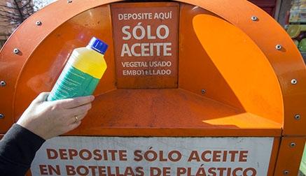 Los vecinos de Camargo depositaron en 2018 cerca de 10.000 litros de aceite de cocina usado para su reciclaje