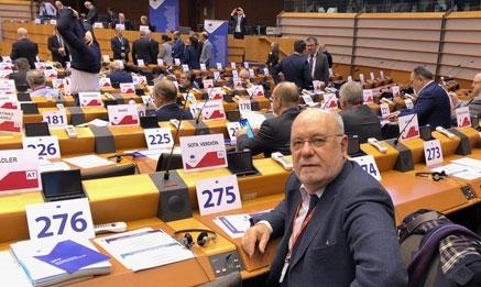 Sota defiende en Bruselas las conexiones ferroviarias Palencia-Reinosa y Santander-Bilbao
