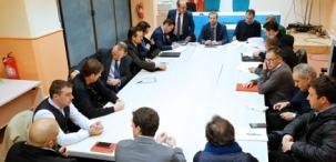 El Gobierno convoca a representantes de taxis y VTC para iniciar un diálogo