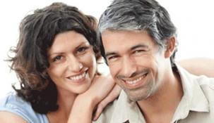 Las parejas creadas en las plataformas 'online' se casan más rápido y se divorcian menos