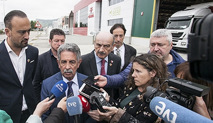 """Revilla afirma que Torrelavega """"tiene futuro"""" y ha destacado la apuesta del PRC por que la ciudad vuelva a ser """"el motor industrial"""" de Cantabria"""