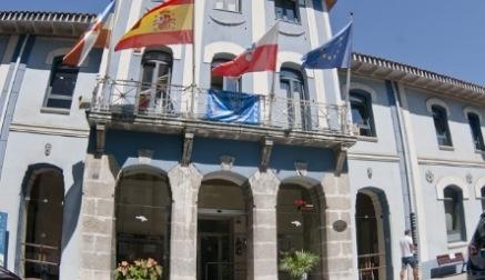 El equipo de Gobierno anuncia que ha descubierto la existencia de contratos caducados por un valor de cerca de 700.000 euros anuales