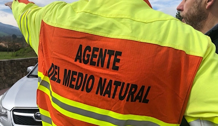 Permanecen activos dos incendios en Cantabria