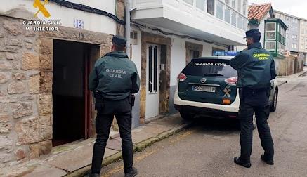 La Guardia Civil auxilia a una familia intoxicada por gas