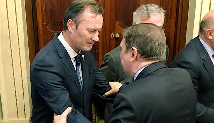 Blanco reclama el apoyo del Ministerio para realizar una defensa firme de la leche