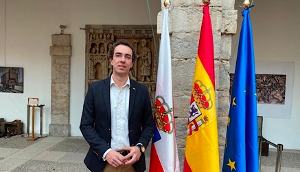 Vox pide reprobar a la senadora socialista por votar en contra del pago del IVA de 2017 a Cantabria