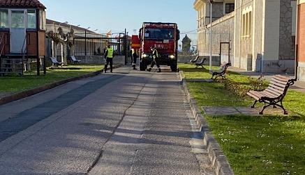 96 efectivos de la UME desinfectan hospitales y centros de salud de Cantabria