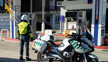 Detenido un hombre por atracar una gasolinera en Gornazo y huir en un coche robado