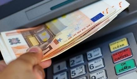 Hoy se debate la propuesta del PSOE para acabar con el dinero en efectivo