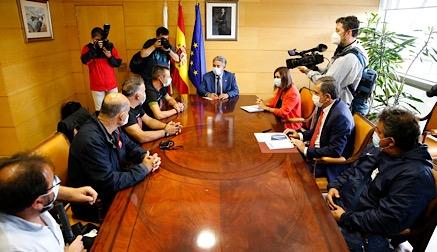 Los trabajadores de Nissan Barcelona se manifiestan en Santander y logran el apoyo del Gobierno regional
