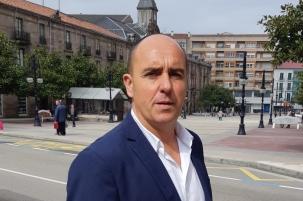 Ricciardiello condena el retraso en la puesta en marcha del Consejo Escolar de Torrelavega
