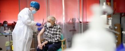 En Cantabria han sido vacunadas 67.988 personas y 156.532 han recibido la primera dosis