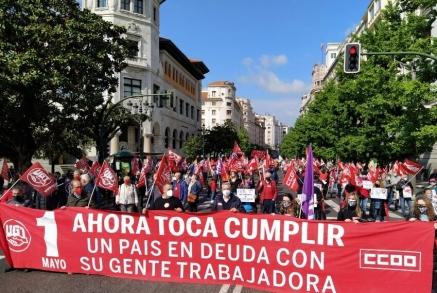 Sindicatos piden recompensar a los trabajadores con derechos y no con promesas